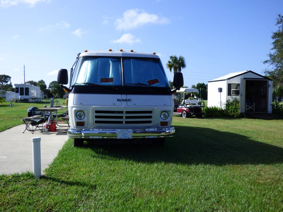 1977 GMC Automatic Motorhome For Sale in Sebring, Florida