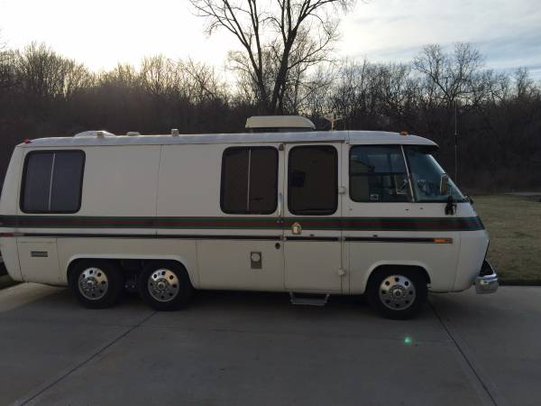 1973 GMC 23FT Motorhome For Sale in Kansas City, Missouri