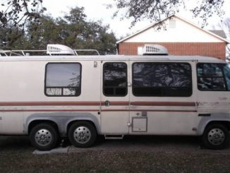 1978 GMC Motorhome Barrel Chairs & Table For Sale in South ...