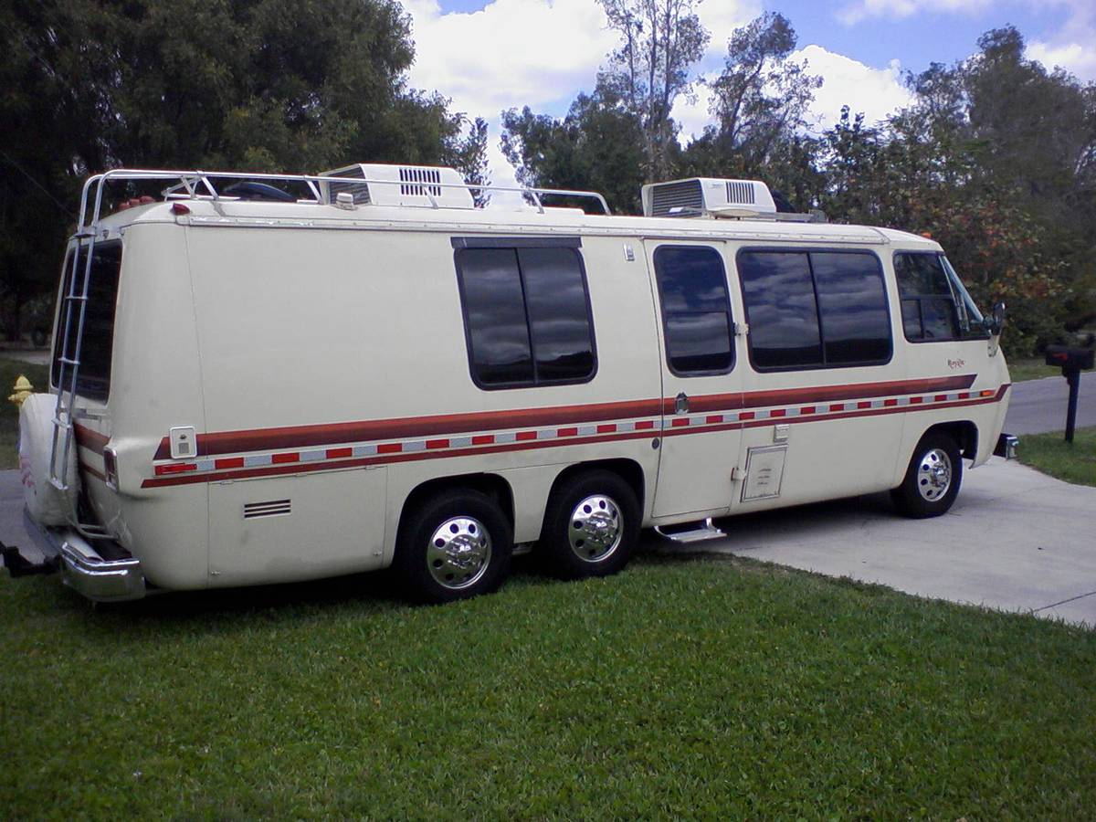 1978 GMC Royale 26FT Motorhome For Sale in Naples, Florida