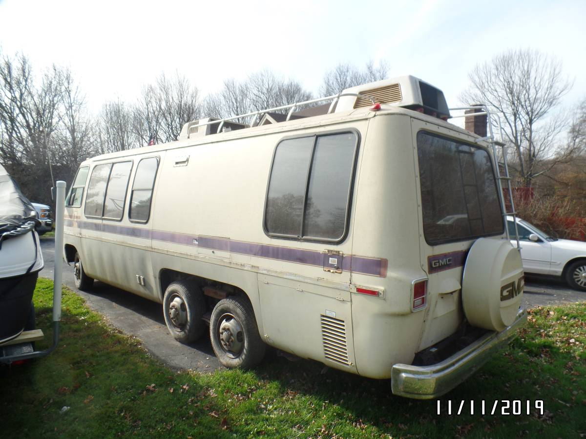 1977 GMC Kingsley Motorhome For Sale in Middletown, New York